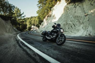 Motocykel Harley-Davidson Softail Sport Glide