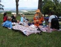 v cíli čekal piknik