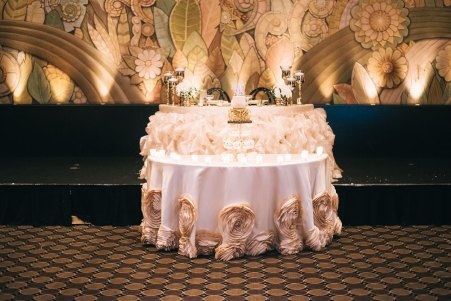 An elegant head table