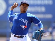 Mar 11, 2016; Dunedin, FL, USA; Toronto Blue Jays starting pitcher Marcus Stroman (6) warms up before the start of the spring training game against the Boston Red Sox at Florida Auto Exchange Park. Mandatory Credit: Jonathan Dyer-USA TODAY Sports
