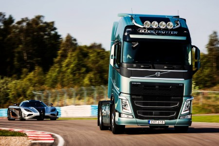 volvo truck and car hd 2048x1152