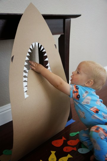 http://www.toddlerapproved.com/2014/07/feed-shark-alphabet-game-for-kids.html?m=1