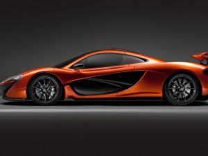 McLaren-P1-profile-wing-deployed-Paris-motor-show