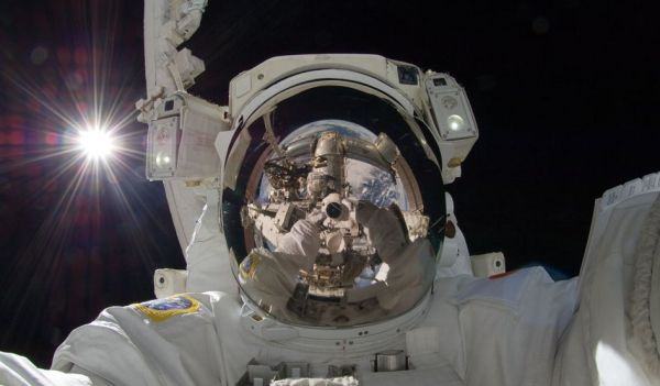 space-selfie