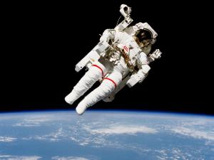 People-Space-Walk-Wallpaper-1