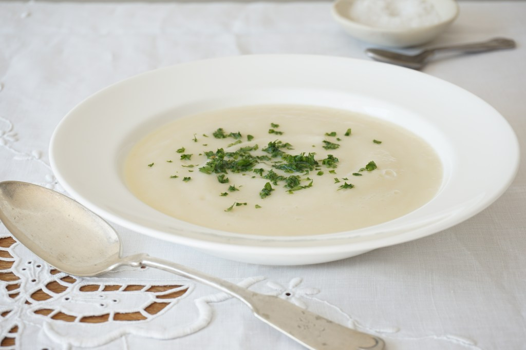 celeriac + pear soup [AIP]