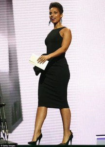 alicia-keys-presenting-an-award