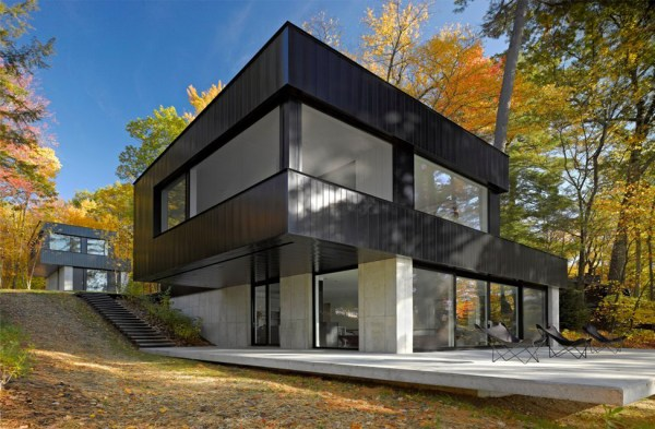 Lake Side Modern House In Vermont