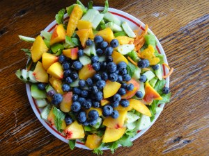 blueberry peach salad