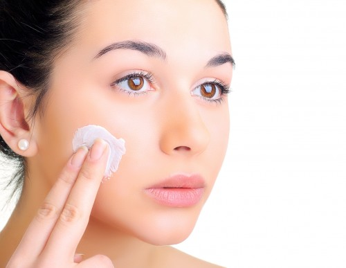 9.Place Moisturizing Pads On The Affected Area