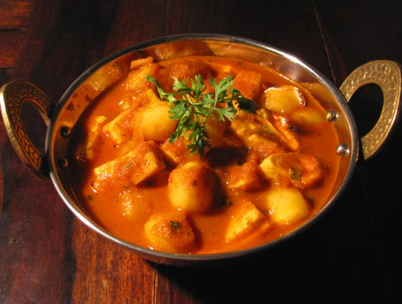 Aloo paneer curry
