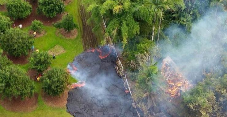 Puna Lava Flow Advancing