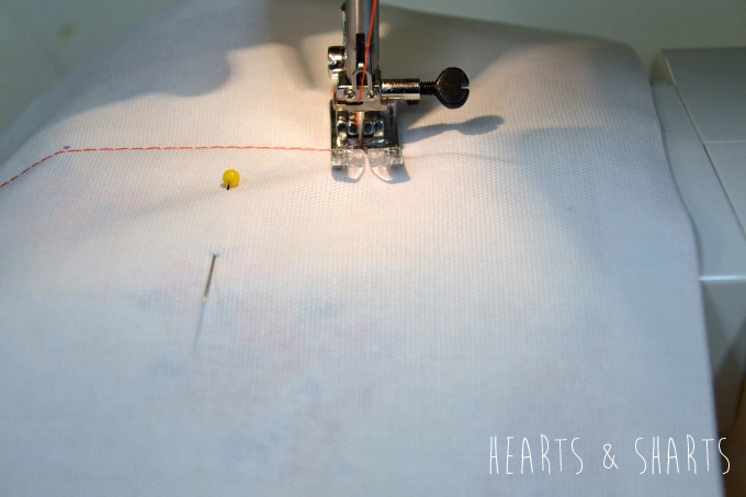 Sewing-Pillow-Shams-With-Flange-7-www.heartsandsharts.com