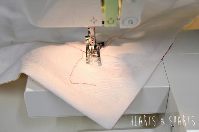 Sewing-Pillow-Shams-With-Flange-8-www.heartsandsharts.com