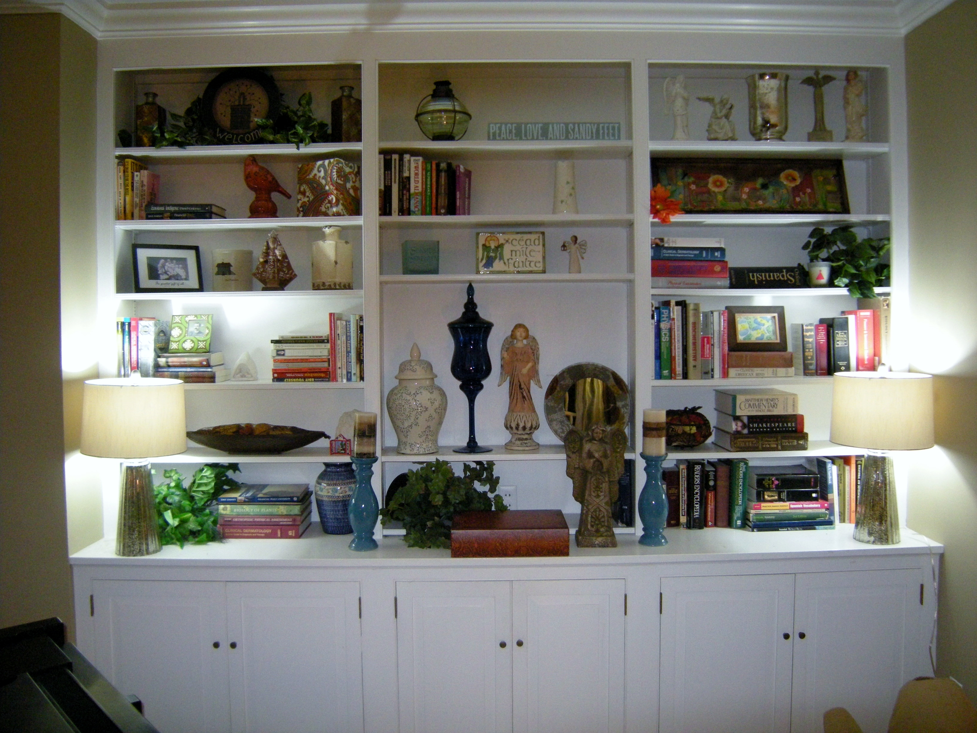 Decorating Bookshelves   HeartWork Organizing Decorating Bookcases  After