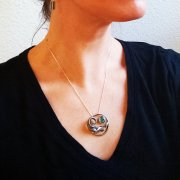 wave_necklace_wearing