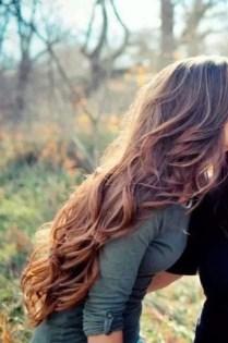 19 deklet, ki navdihujejo s svojimi dolgimi lasmi: Sproščeni kodri.