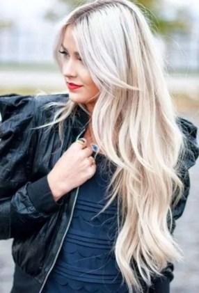 19 deklet, ki navdihujejo s svojimi dolgimi lasmi: Tudi platinum blond barva je videti odlično.