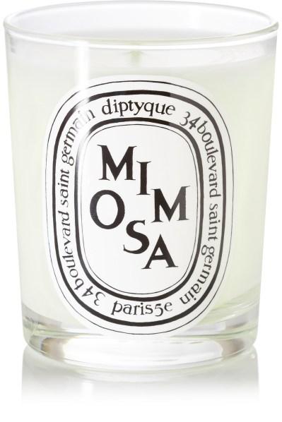 Sveča Diptyque, z vonjem po sramežljivi mimozi (44 evrov)