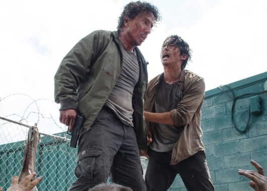 Michael-Traynor-as-Nicholas-and-Steven-Yeun-as-Glenn-in-The-Walking-Dead-Season-6-Episode-3