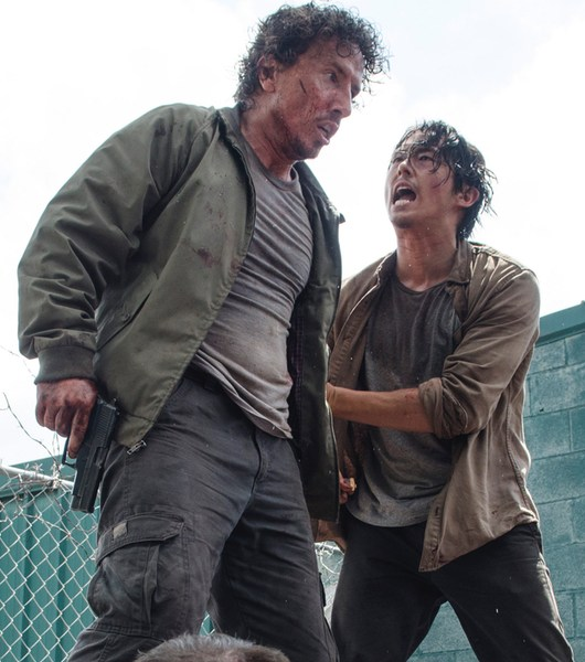 Michael-Traynor-as-Nicholas-and-Steven-Yeun-as-Glenn-in-The-Walking-Dead-Season-6-Episode-3