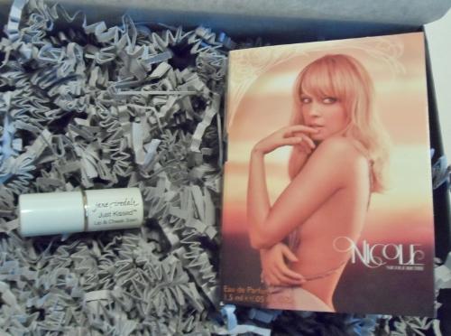 January 2014 Sample Society Nicole Richie Eau de Parfum Jane Iredale Forever Pink