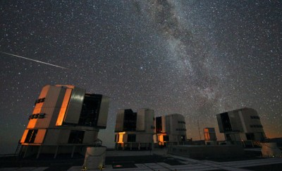 The_2010_Perseids_over_the_VLT via wikipedia