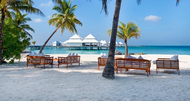 Diamonds Thudufushi Beach Maldives