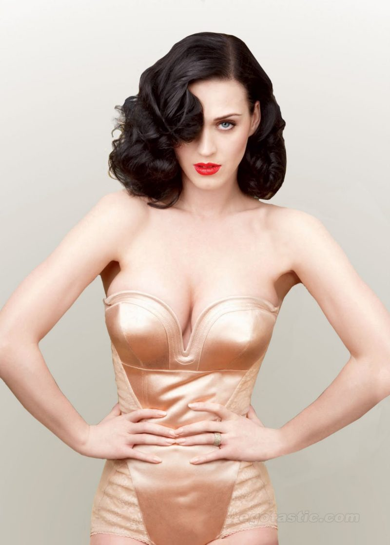 Katy Perry hour-glass figure