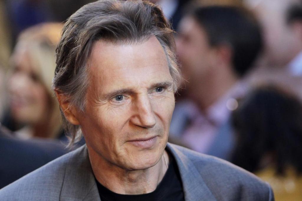 Liam Neeson's height 6
