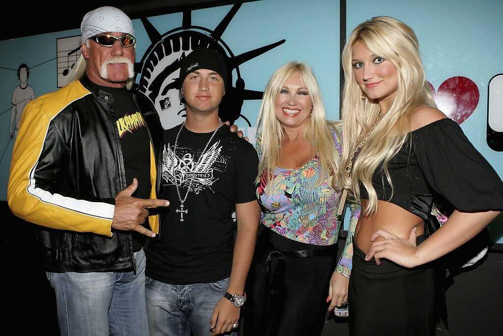 Hulk Hogan dead 6