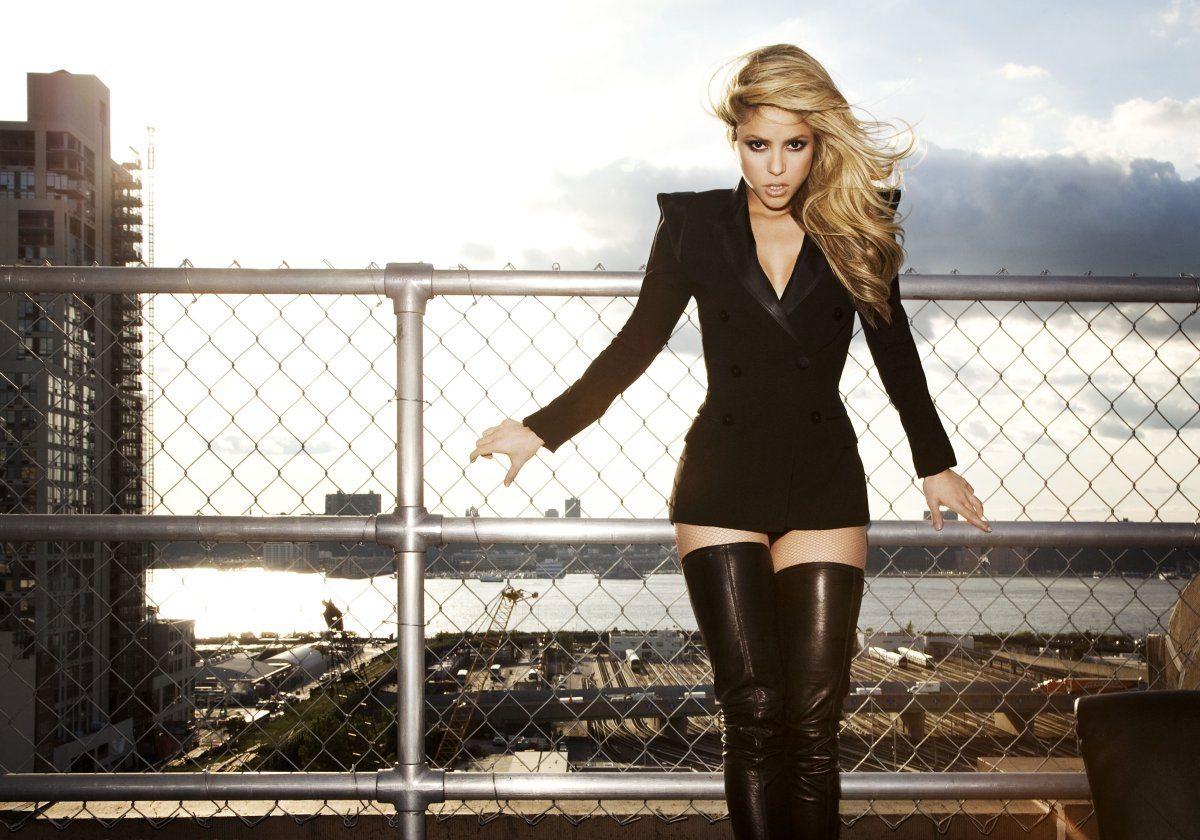 Shakira's height 9