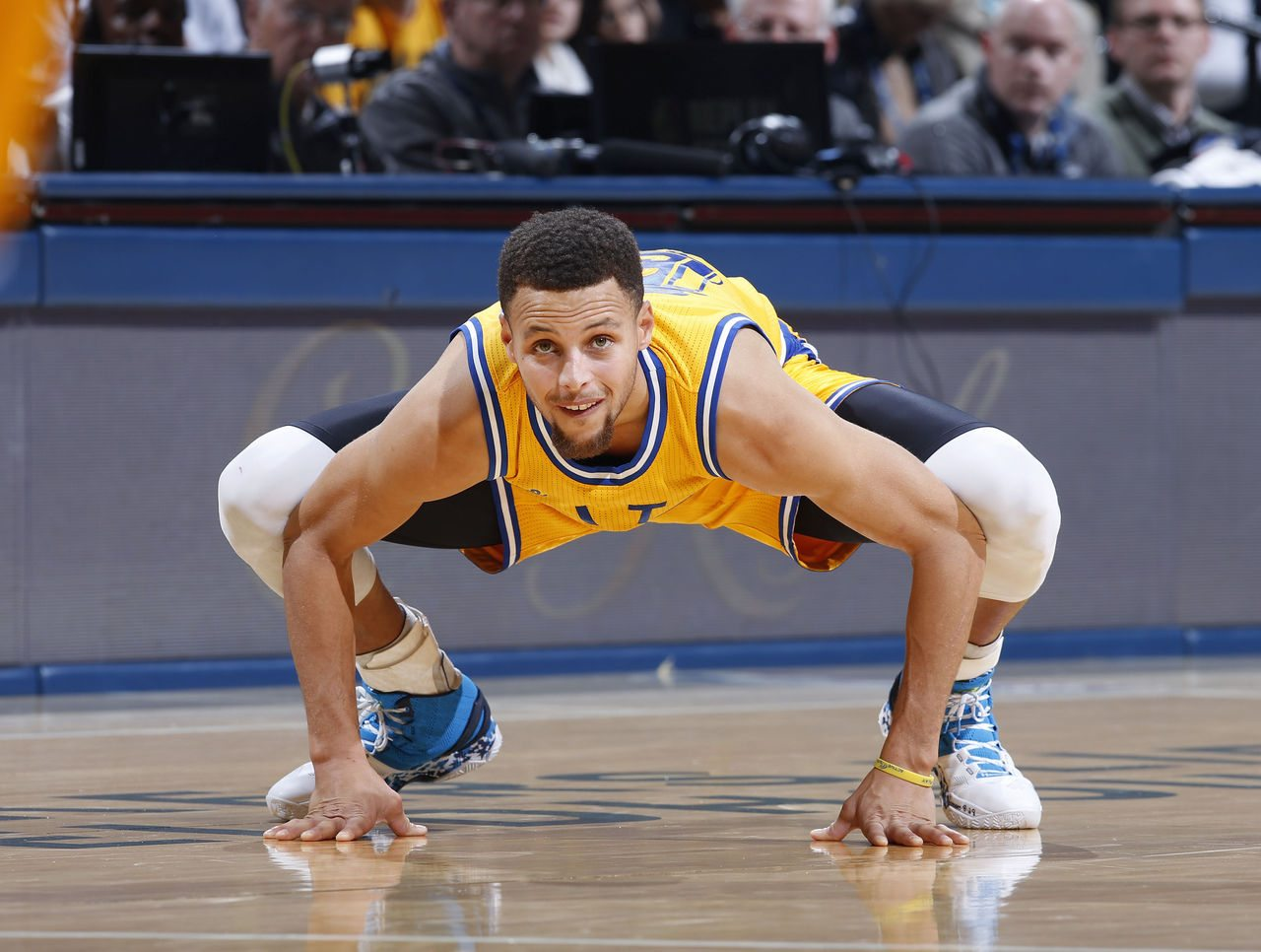 Steph Curry's height, feet