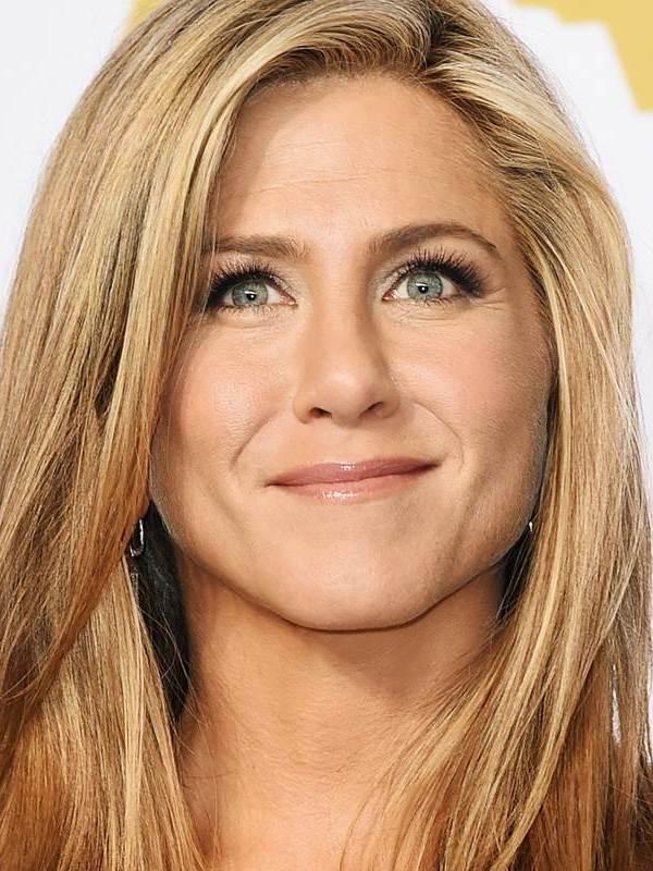 Jennifer Aniston's nose dp