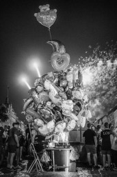 Feuerwerk & Ballons.
