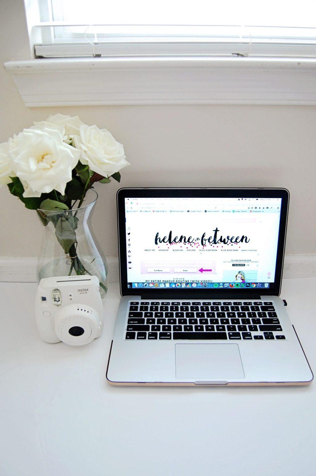 laptop_white
