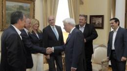 ΦΩΤΟΓΡΑΦΙΑ ΑΡΧΕΙΟΥ: Ο Πρόεδρος της Δημοκρατίας με τον πρωθυπουργό και τους πολιτικούς ηγέτες. ΜΠΕ/ΑΠΕ-ΜΠΕ/ΟΡΕΣΤΗΣ ΠΑΝΑΓΙΩΤΟΥ