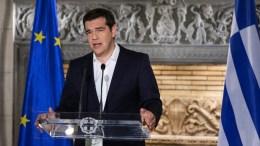 ΦΩΤΟΓΡΑΦΙΑ ΑΡΧΕΙΟΥ: Ο πρωθυπουργός Αλέξης Τσίπρας κάνει δηλώσεις μετά τα πρώτα αποτελέσματα του δημοψηφίσματος. ΑΠΕ-ΜΠΕ/ΓΡΑΦΕΙΟ ΤΥΠΟΥ ΠΡΩΘΥΠΟΥΡΓΟΥ/Andrea Bonetti