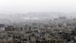 Κλειστά τα σχολεία στην Τεχεράνη εξαιτίας ατμοσφαιρικής ρύπανσης. FILE PHOTO. EPA/ABEDIN TAHERKENAREH