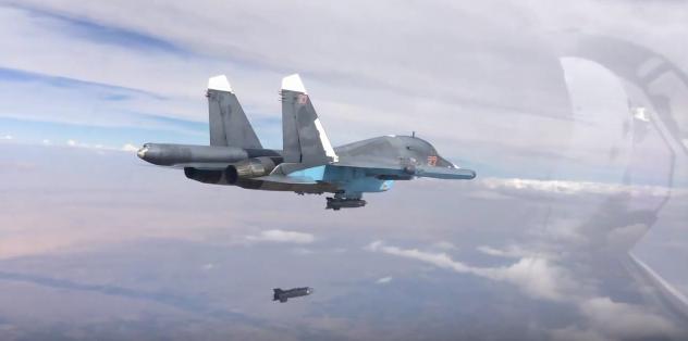 Ρωσικό αεροσκάφος Su-34 στην Συρία. Στιγμιότυπο από βίντεο του ρωσικού υπουργείου Άμυνας, via AVIATIONIST.