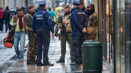 Soldiers and police patrol Brussels. FILE PICTURE. EPA, STEPHANIE LECOCQ