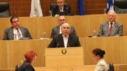 Ο Πρόεδρος της Βουλής των Ελλήνων κ. Νίκος Βούτσης προσφωνεί την ειδική συνεδρία της Ολομέλειας της Βουλής των Αντιπροσώπων. Φωτογραφία ΓΔΠ