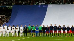 Real Madrid and FC Barcelona teams and referees observe a minute' silence in memory of the victims of the 13 November terrorist attacks in Paris, before the Spanish Liga Primera Division soccer match played at Santiago Bernabeu stadium in Madrid, Spain, 21 November 2015. EPA. JuanJo Martin