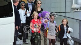US actress/director Angelina Jolie (back C) arrives at Sydney Airport, Australia, 06 September 2013, with her children (L-R) Maddox, Shiloh, Zahara and Knox. According to media reports, Jolie arrived to Sydney for her upcoming movie 'Unbroken'.  EPA/MICK TSIKAS AUSTRALIA AND NEW ZEALAND OUT