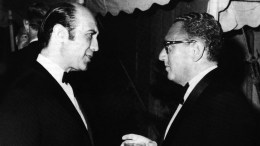 Ο Ηλίας Δημητρακόπουλος με τον μεγαλύτερο εχθρό του, Χένρι Κίσιγκερ.