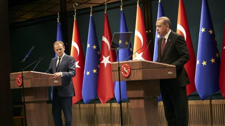 Ο πρόεδρος της ΕΕ Τούσκ και ο πρόεδρος της Τουρκίας Ταγίπ Ερντογάν. Φωτογραφία Αρχείου, ΤΟΥΡΚΙΚΗ ΠΡΟΕΔΡΙΑ