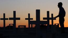 Επιμνημόσυνη δέηση για τους πεσόντες της εισβολής από το Παγκύπριο Ταμείο Μαραθωνίου Αγάπης Αγνοουμένων. Φωτογραφία ΚΥΠΕ.