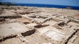 Φωτογραφία που δόθηκε σήμερα στη δημοσιότητα  και εικονίζει τα νεοαποκαλυφθέντα δωμάτια στο Κτίριο Μ στο  Δεσποτικό. Ιδιαίτερα σημαντικά για την ιστορία και την τοπογραφία του ιερού του Απόλλωνα στο ακατοίκητο νησί Δεσποτικό, δυτικά της Αντιπάρου, είναι τα αποτελέσματα της ανασκαφής που διήρκησε από τις 30 Μαΐου έως τις 8 Ιουλίου 2016. Πέμπτη 21 Ιουλίου 2016.   ΑΠΕ-ΜΠΕ/ΥΠΟΥΡΓΕΙΟ ΠΟΛΙΤΙΣΜΟΥ/STR