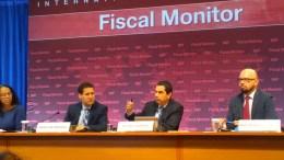 Ο Βίτορ Κασπάρ με τους συνεργάτες του κατά τη διάρκεια της συνέντευξης Τύπου. Φωτογραφία Mignatiou.com