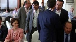 File PHOTO: Ο υπουργός Νίκος Παππάς (Δ) και η εκπρόσωπος του ΔΝΤ στους θεσμούς Ντέλια Βελκουλέσκου (A) στο συνέδριο του περιοδικού Economist. ΑΠΕ-ΜΠΕ, ΑΛΕΞΑΝΔΡΟΣ ΜΠΕΛΤΕΣ